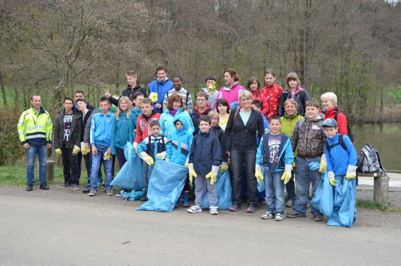 Saubere Stadt - Schüler sammeln Müll