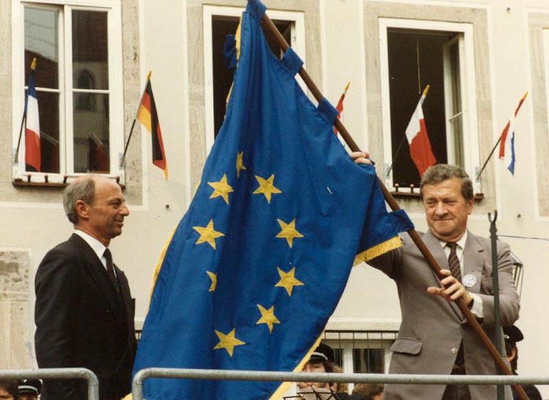 Verleihung der Europafahne 1987