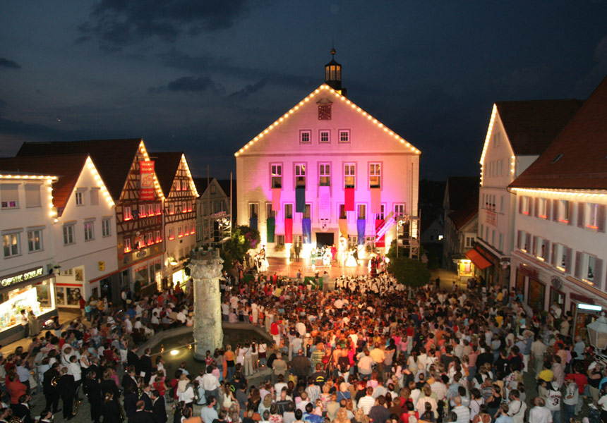 Open-Air-Theater auf dem Rathausplatz