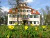Blühendes Hechingen: das Schloss Lindich (Foto: Franz Seeburger)