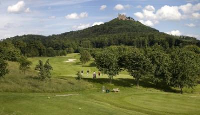Golfplatz und Burg